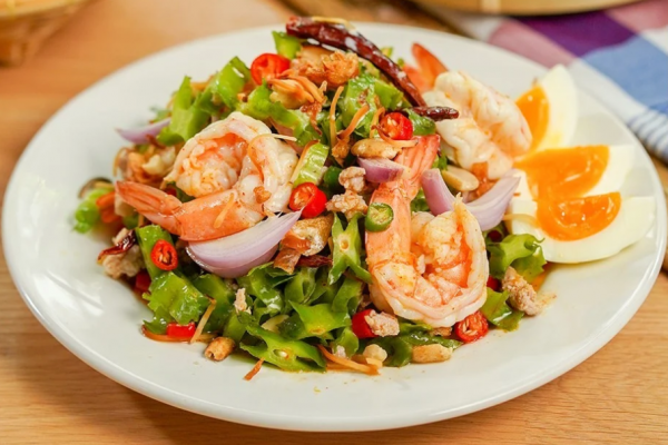 """""""Spicy Wing Bean Salad with Fresh Shrimp"""""""